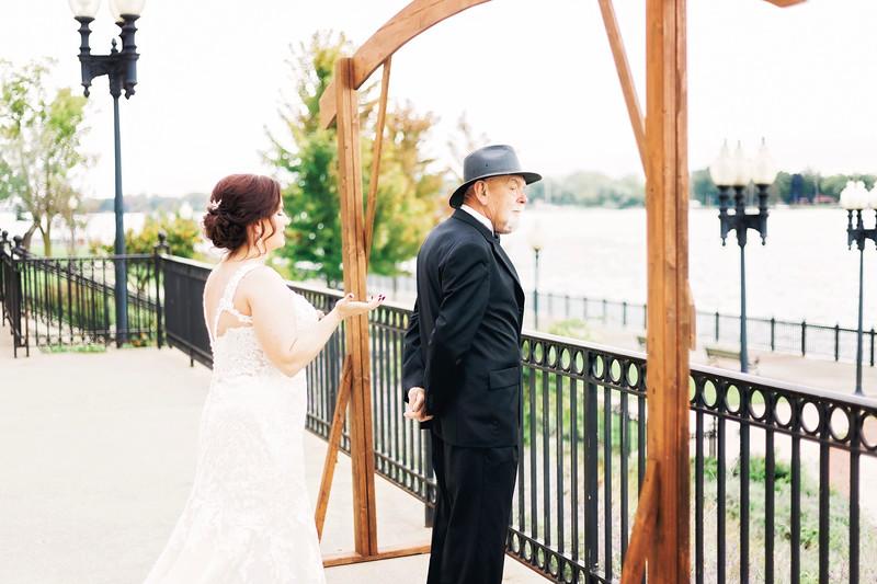 chateau-on-the-river-trenton-michigan-wedding-0088.jpg