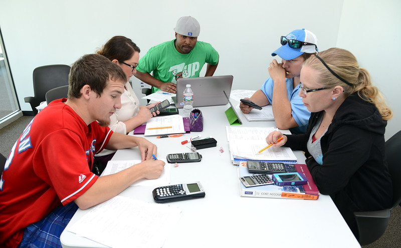 accounting-students-work-together-to-prepare-for-an-upcoming-exam_13896177843_o.jpg