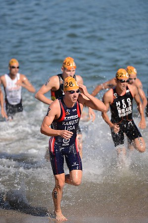 UN-Edited Images - 2014 Subaru Mooloolaba Men's ITU Triathlon World Cup
