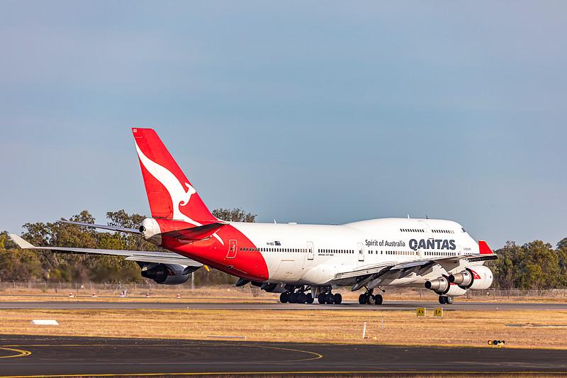 QANTAS Boeing B747-400ER VH-OEG departing Rockhampton Airport 05-06-2019.