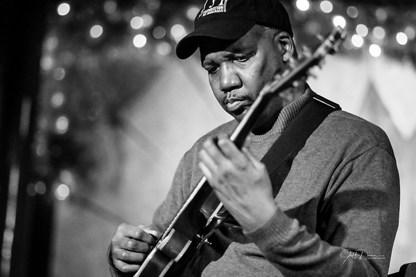 Oliver Nevels Trio (B&W) - Cliff Bell's - 12-26-2017