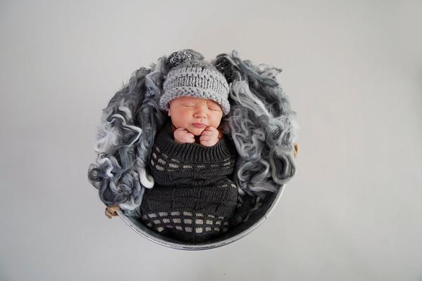 Emmett Newborn 2018