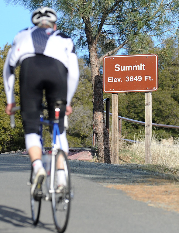 . Matthew Semansky, of Danville, bikes up the last steep 200 yards of Mount Diablo\'s narrow Summit Road on Mount Diablo, Calif., on Friday, Feb. 1, 2013. Mount Diablo\'s summit will be the finish line for stage 7 of the Amgen Tour of California. The race, held on Saturday May 18, will start in Livermore. (Doug Duran/Staff)