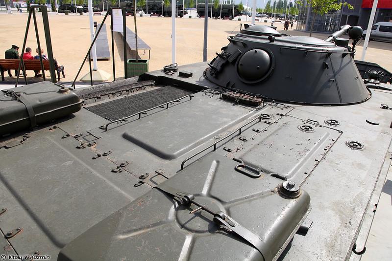 Легкий плавающий танк ПТ-76Б (Light amphibious tank PT-76B)