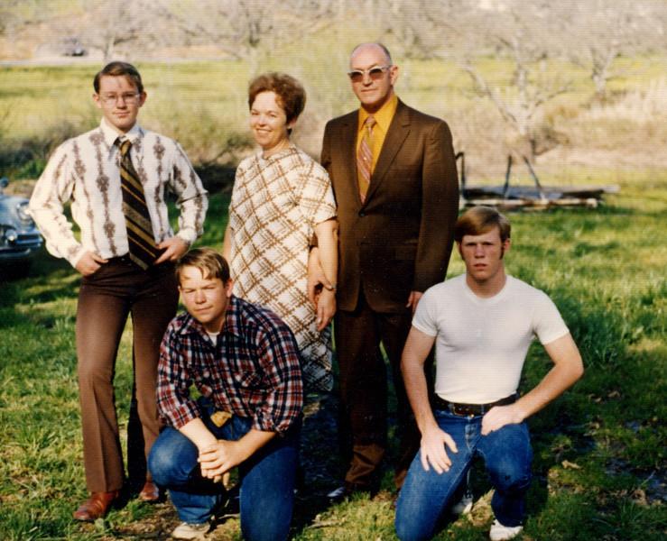 Family of Glen Ruddell.JPG