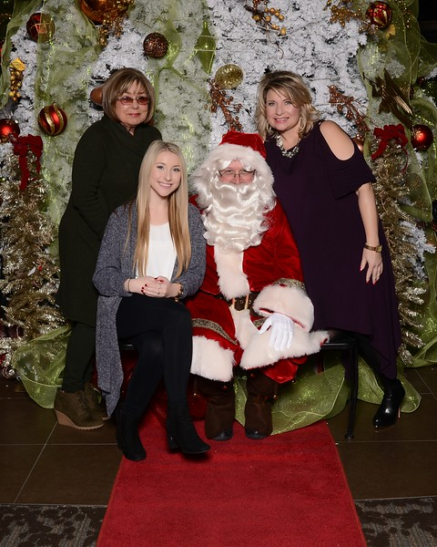 20161224_MoPoSo_Tacoma_Photobooth_LifeCenter_Santa-92.jpg