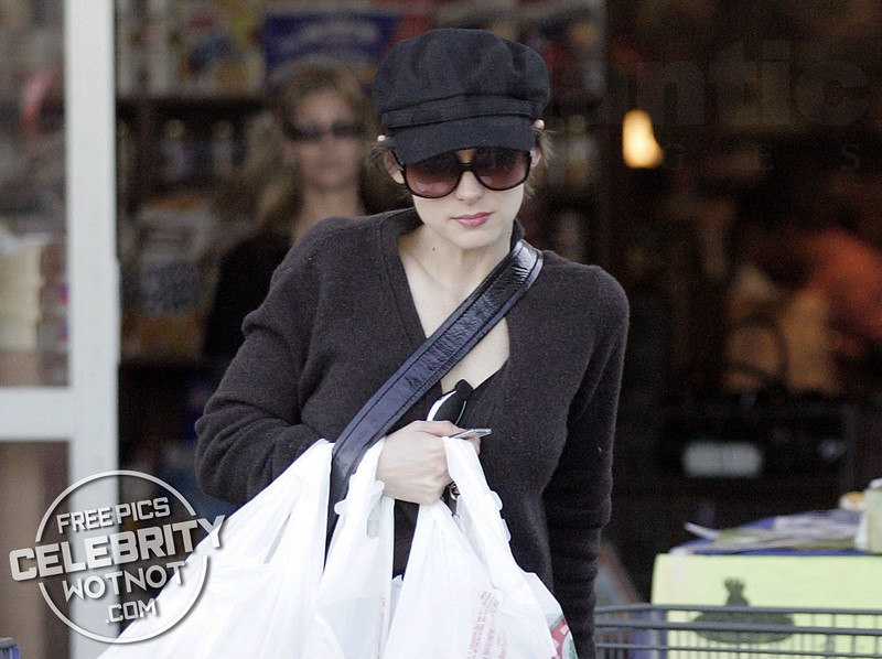 EXCLUSIVE: Winona Ryder Picks Up Groceries From Her Local Store, LA