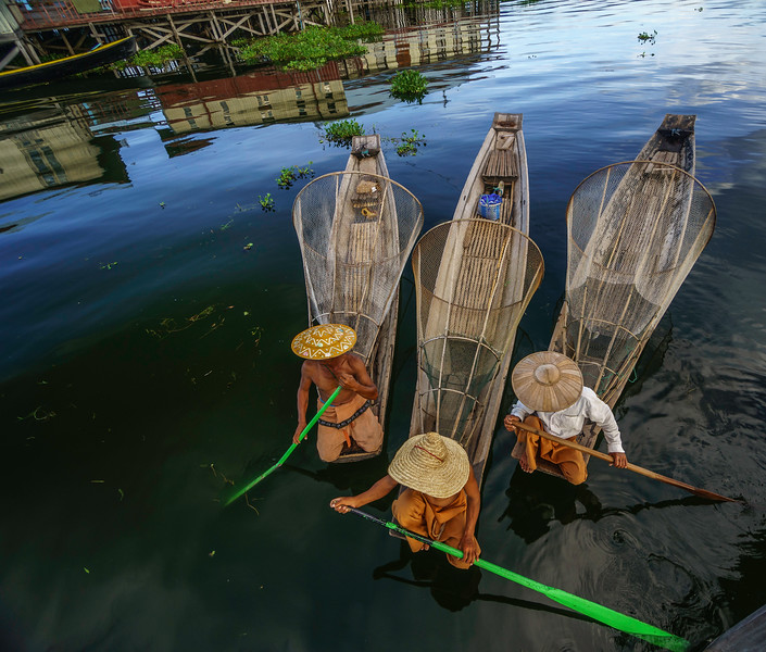 Inle boats from above.jpg
