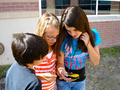 6th Graders Geocaching