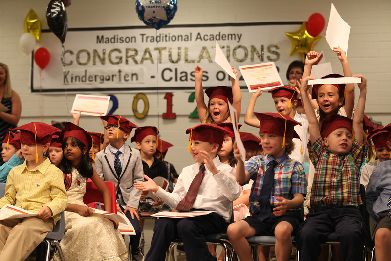 2012May18_MTA Kinder Grad_9766.JPG