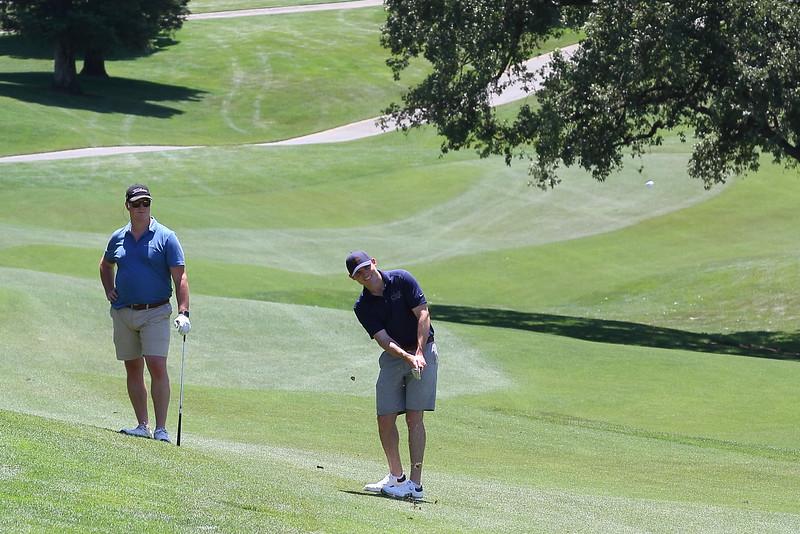 Momentum Golf Benefit-78.jpg