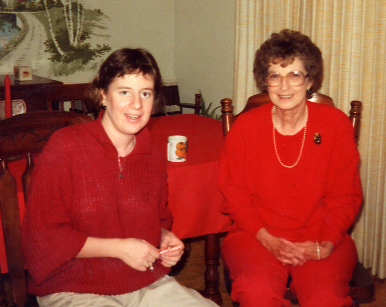 1987 Pat McGraw and Annie Kennedy Thompson.JPG