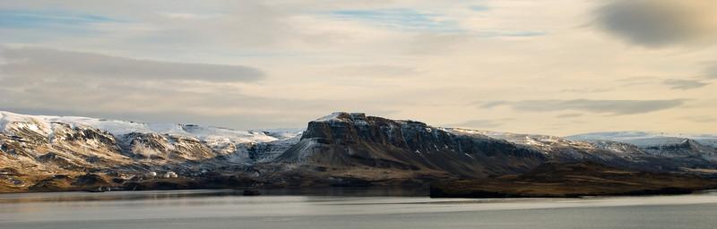 Þyrill fyrir miðju, Þyrilnes hægra meginn