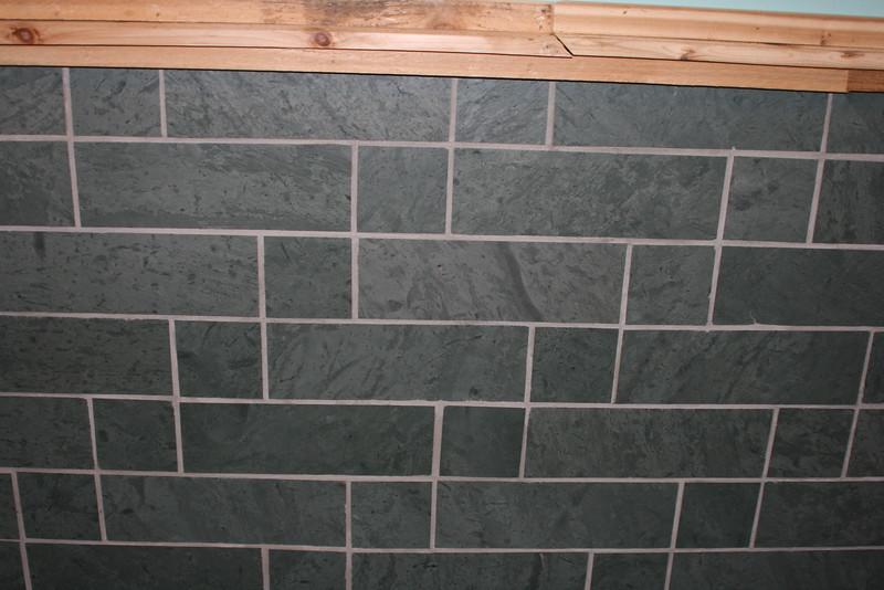 Unfading Green Brick Pattern (Vertical)