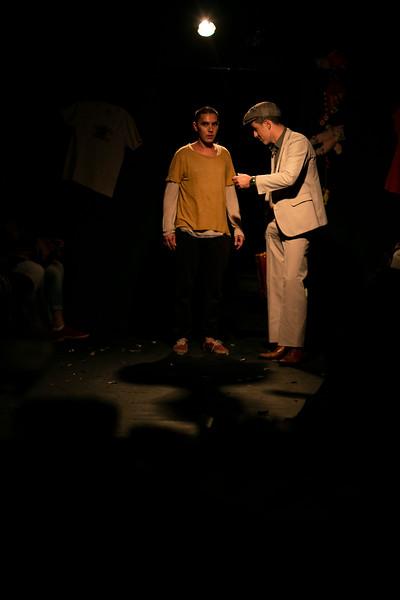Allan Bravos - Fotografia de Teatro - Indac - Migraaaantes-101.jpg