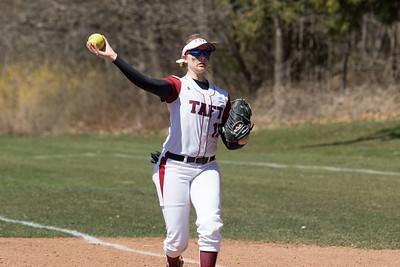 4/21/18: Softball v Deerfield