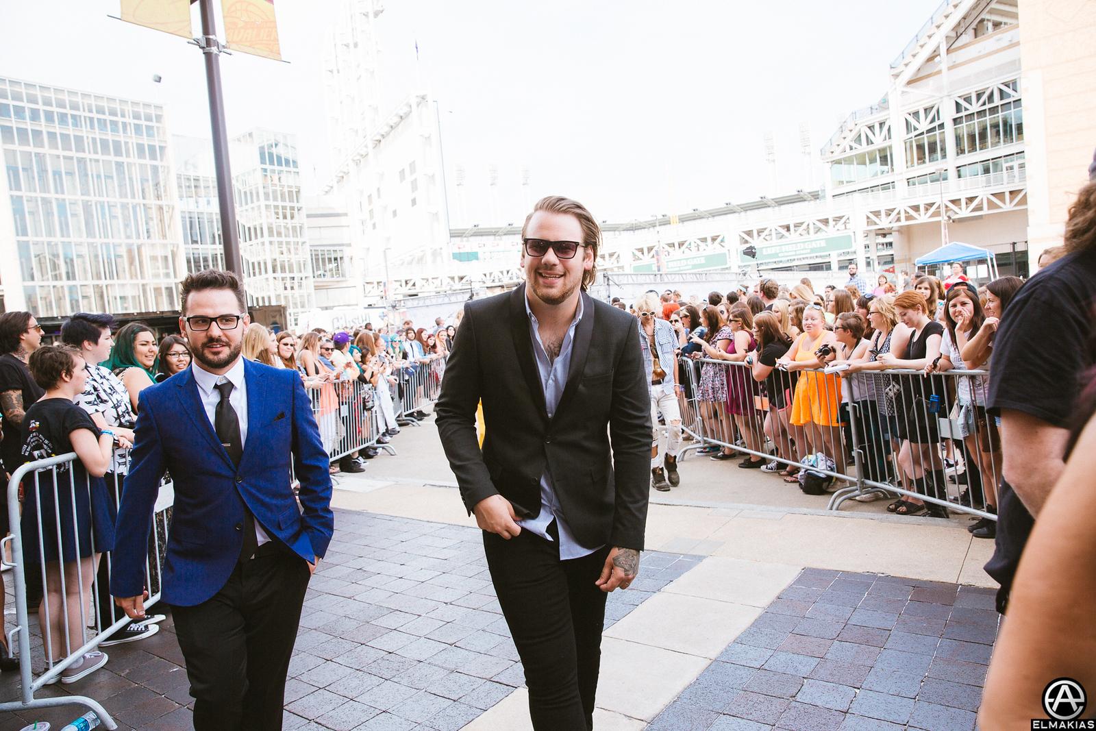 Brandon Mullins and Caleb Shomo of Beartooth at the APMAs 2015 by Adam Elmakias