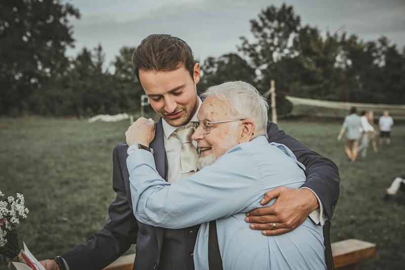 LenaDrapella_Sophie_and_Jake_wedding_09_2018_99.jpg