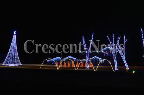 12-22-15 NEWS Shinabery Lights