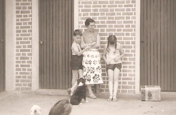Dundo - Maria Adelaide Santos e filhos
