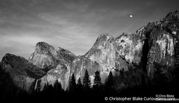 Moon Rise Yosemite 2