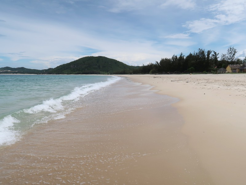 IMG_1165-beach-at-lucky-spot.jpg