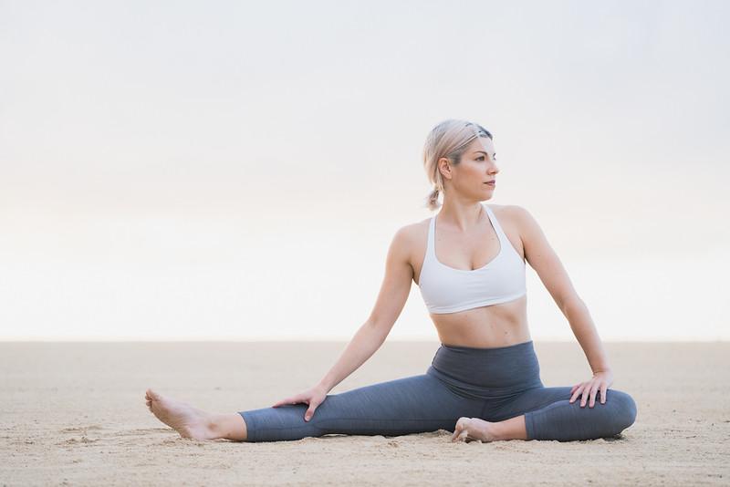 IG - Hawaii - Madeleine Russick - Yoga-462.jpg