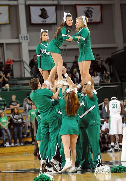 cheerleaders0928.jpg