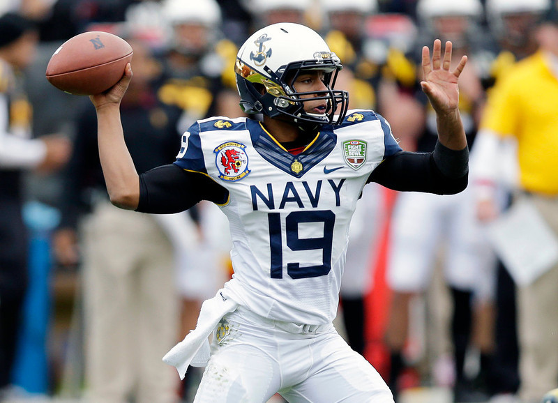 . Navy quarterback Keenan Reynolds throws against Arizona State during the first half of the Fight Hunger Bowl NCAA college football game in San Francisco, Saturday, Dec. 29, 2012. (AP Photo/Marcio Jose Sanchez)