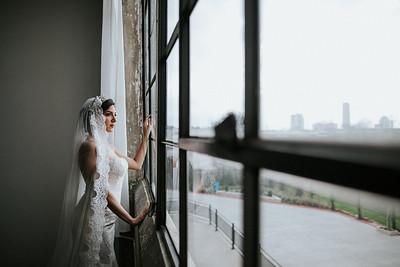 Minimalistic Bridals for a Persian Queen