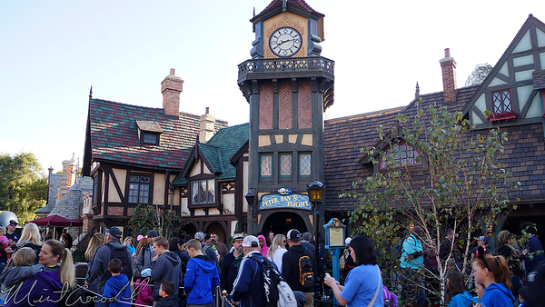 Disneyland Resort, Disneyland, Fantasyland, Sleeping Beauty Castle, Sleeping, Beauty, Castle, Peter Pan's Flight, Peter Pan, Peter, Pan