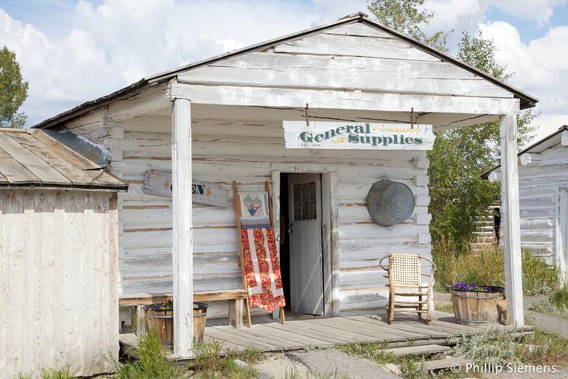 Menor's store / museum