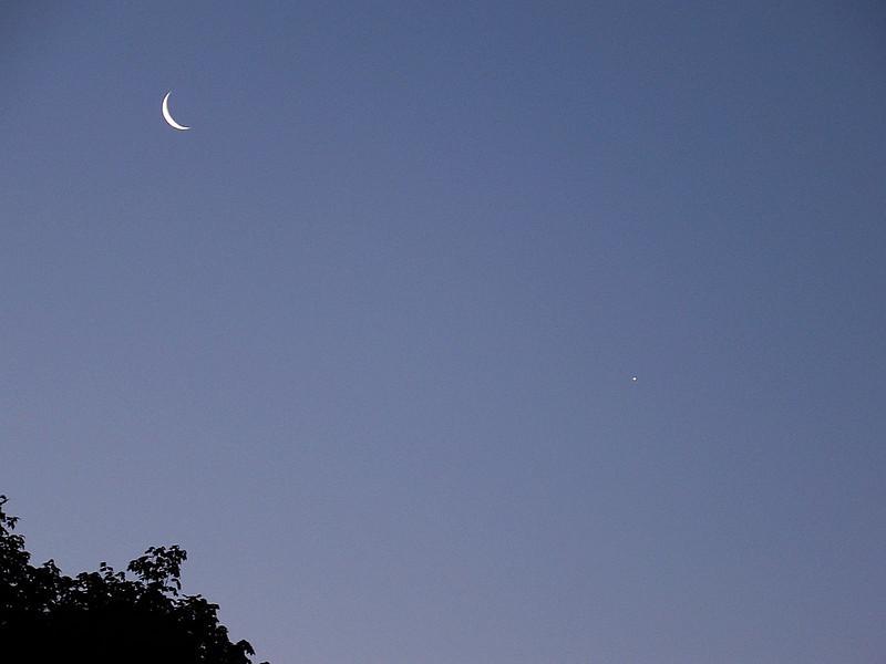 Moon Venus -5-21-09-m.jpg