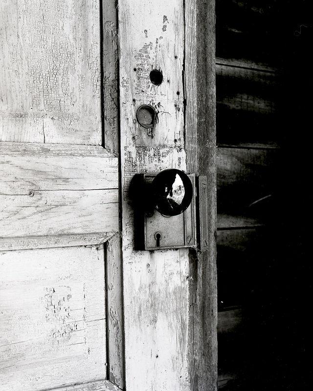 Black door knob.jpg