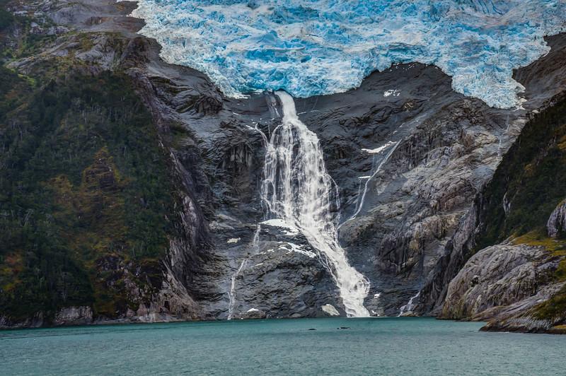 Patagonia 2018-03061_2_3hdr.jpg