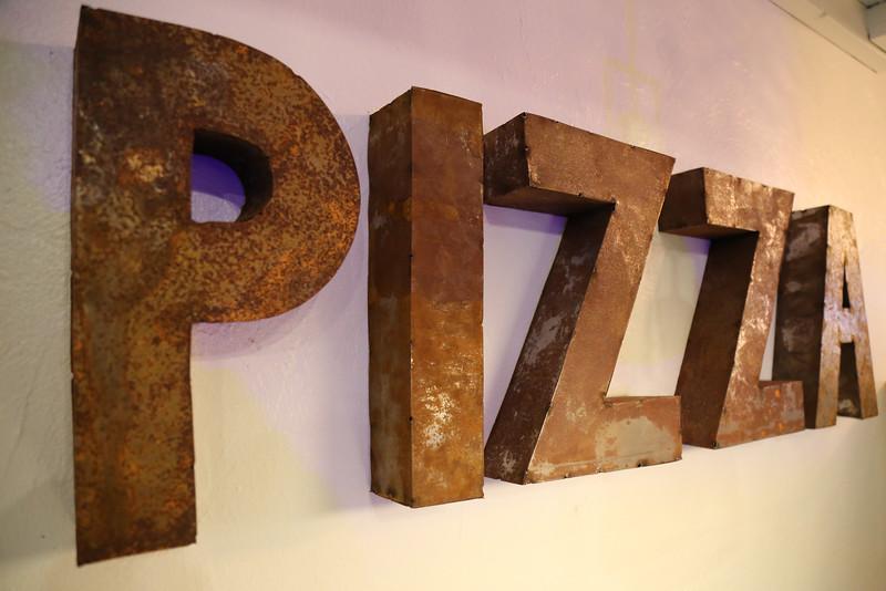 Gino's+Pizza+(31+of+32).jpg
