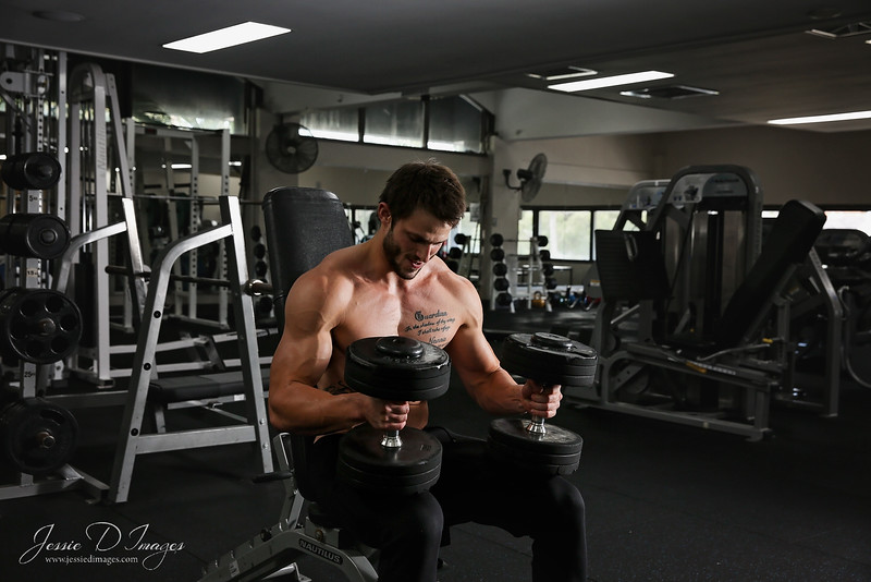 Fitness session - gym session - balance gym - fitness photography - weights 1.jpg
