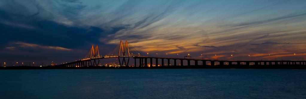 IMAGE: http://alfredomora.smugmug.com/Landscapes/General-Landscapes/i-3qhQts2/0/XL/hartman-bridge-panorama1-proc-XL.jpg
