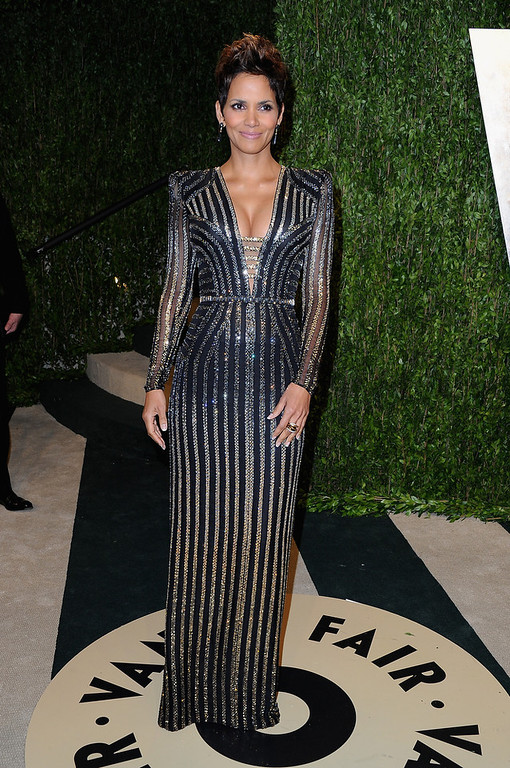 . Actress Halle Berry arrives at the 2013 Vanity Fair Oscar Party hosted by Graydon Carter at Sunset Tower on February 24, 2013 in West Hollywood, California.  (Photo by Pascal Le Segretain/Getty Images)