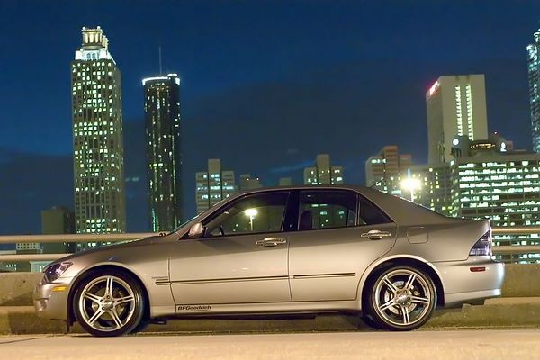 John's Lexus IS300 (Night)