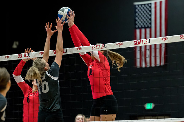 2016 Seattle U Volleyball vs Grand Canyon