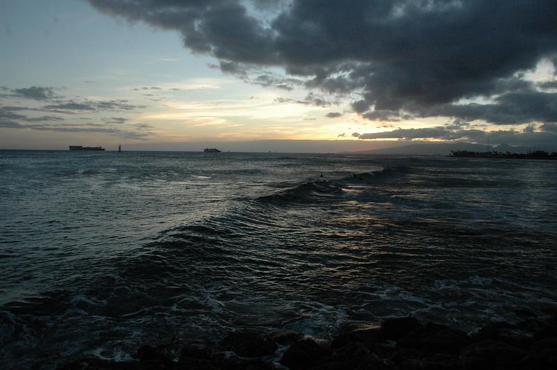 Hawaii - Ala Moana Beach Sunset-79.JPG