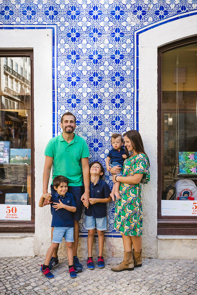 Family Photo Shoot in Lisbon, Portugal - October 2018
