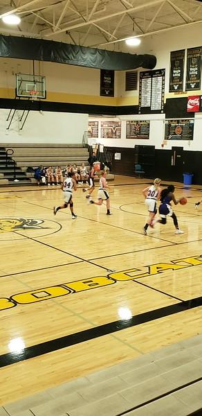 Varsity Basketball-Daelynn