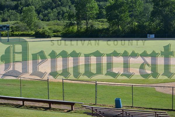 Community softball Robinhood vs Bum & Kells