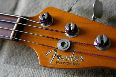 Fender AV62 Precision Bass