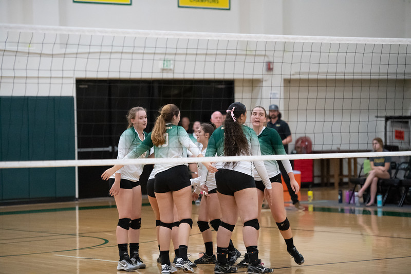 W-Volleyball-2018-10-03-6658.jpg