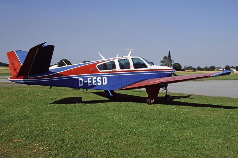 D-EESD-BeechcraftV35BBonanza-Private-1999-07-31-GR-01-KBVPCollection.jpg