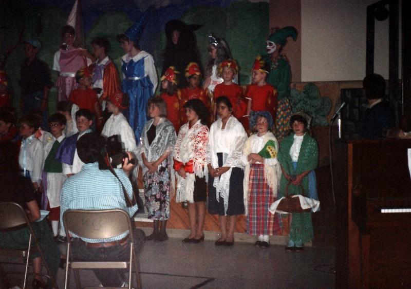 1991_Spring_Orlando_Amelia_birthday_some_TN_0003_a.jpg