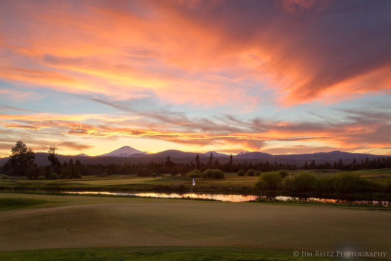 Crosswater 18th hole at sunset - in Sunriver, Oregon
